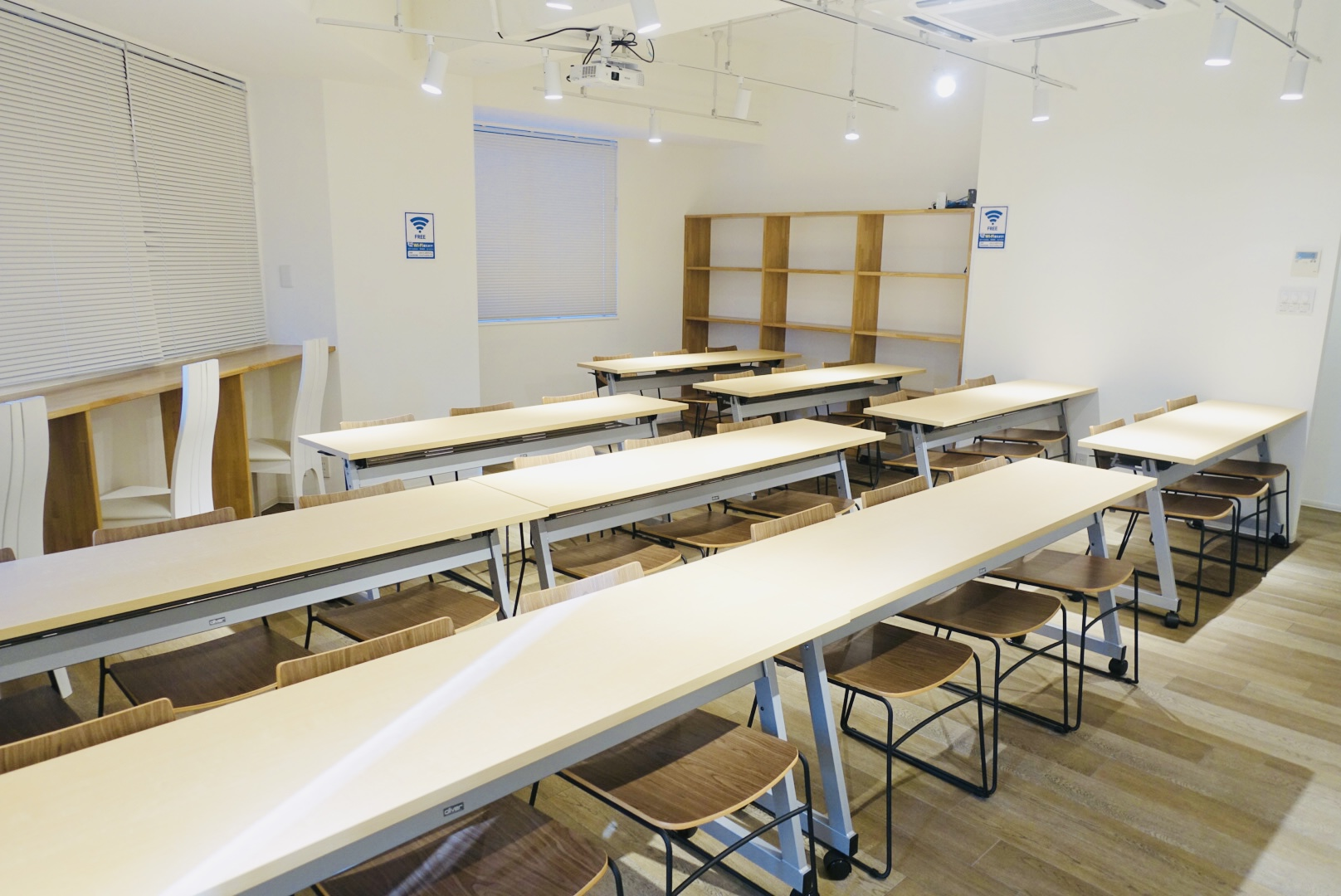 レンタルスペース「スペースマーケット会議室 ーT's南森町3Fー」の画像5